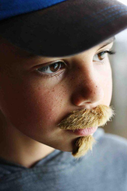 Mustache_2